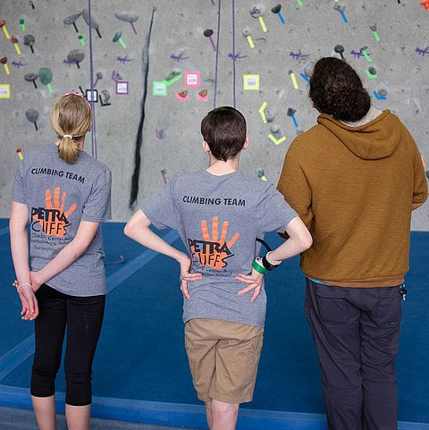 competitive climbing team at petra cliffs burlington vermont